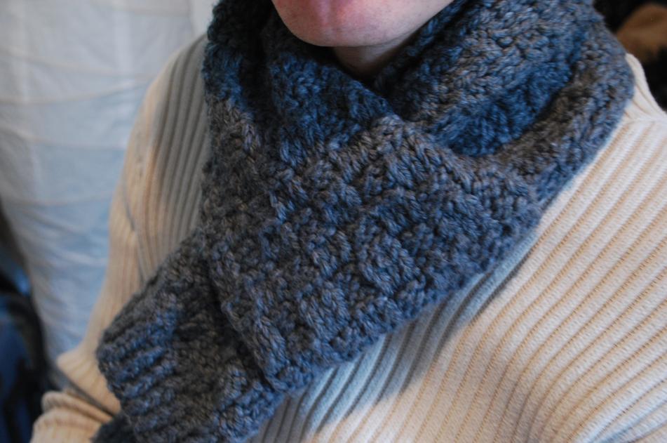 premier coup d'oeil beau produit chaud modèle modèle gratuit tricot echarpe homme