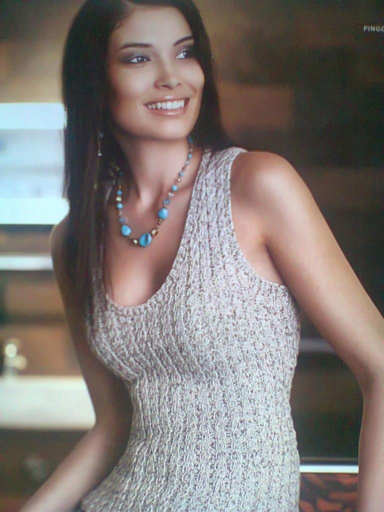 Modele tricot debardeur femme - Modele tricot bonnet femme facile ...