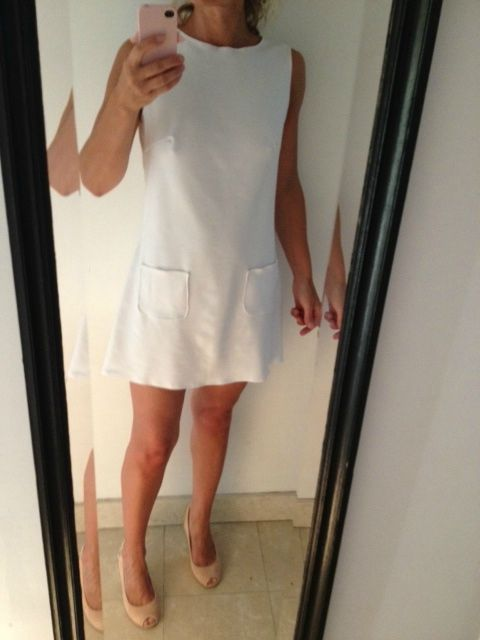 Robe blanche style courreges
