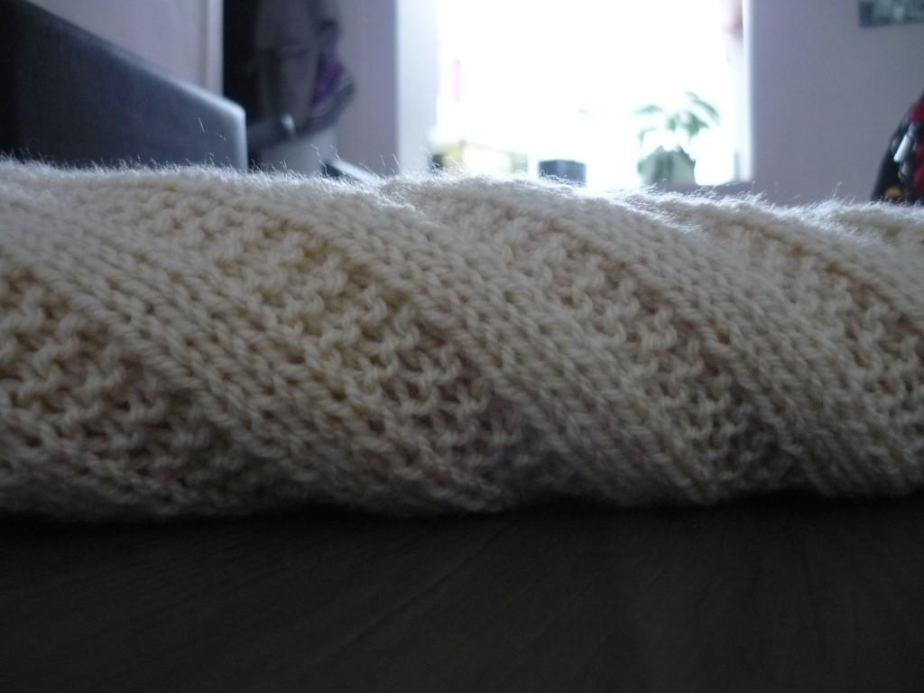 patron couverture au tricot gratuit. Black Bedroom Furniture Sets. Home Design Ideas
