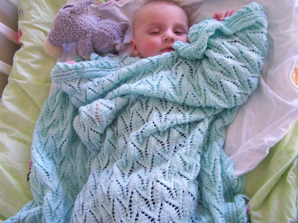 patron couverture bébé en tricot